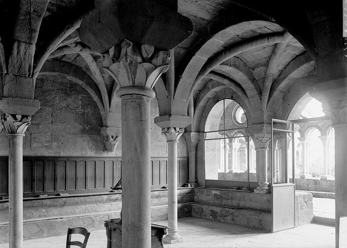 Abbaye de Fontfroide Salle capitulaire, Enlart, Camille (historien),