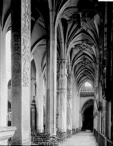 Eglise Saint-Gervais-Saint-Protais Nef vue du choeur, Enlart, Camille (historien),