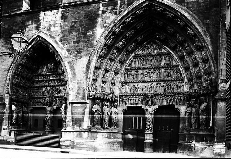 Cathédrale Notre-Dame Les deux portails de la façade nord, Enlart, Camille (historien),