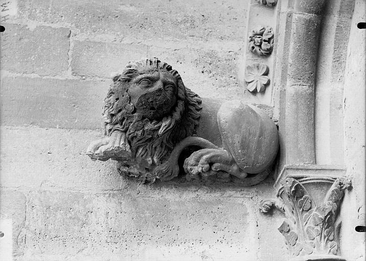 Cathédrale Notre-Dame Sommier d'arc, tour nord, Lion, Lajoie, Abel,