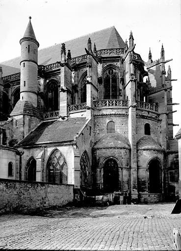 Cathédrale Notre-Dame Abside au sud, Enlart, Camille (historien),