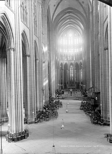 Cathédrale Notre-Dame Vue intérieure de la nef vers le choeur, Durand, Jean-Eugène (photographe),