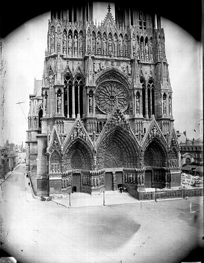 Cathédrale Notre-Dame Ensemble ouest, sauf le sommet des tours, Lajoie, Abel,