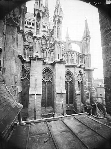 Cathédrale Notre-Dame Partie de l'abside, prise de la cour de l'Archevêché, Lajoie, Abel,