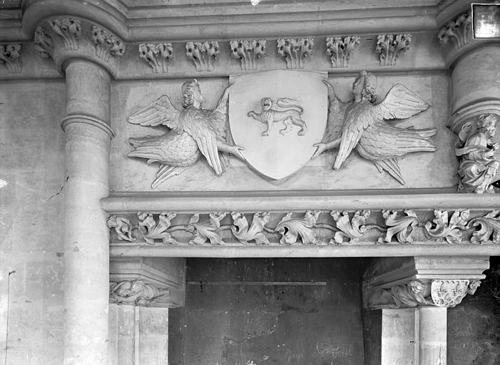 Palais des Comtes de Poitiers (ancien) ; Palais de Justice Salle des Pas perdus : vue prise depuis la cheminée, Gossin (photographe),