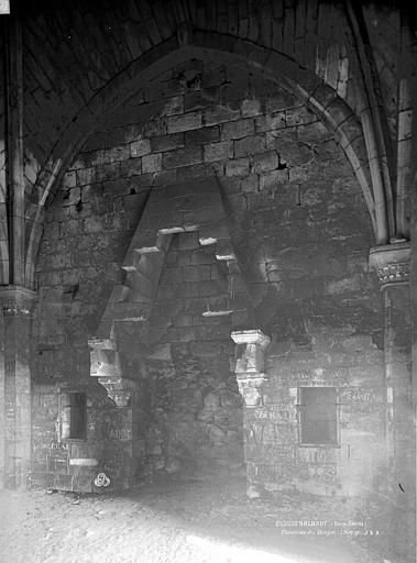 Château du Coudray-Salbart Cheminée du donjon, Durand, Eugène (photographe),