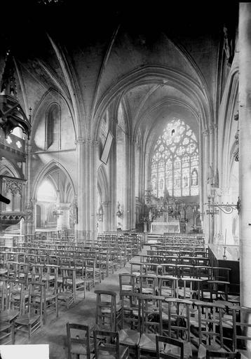 Eglise Nef, vue de l'entrée, Service photographique,