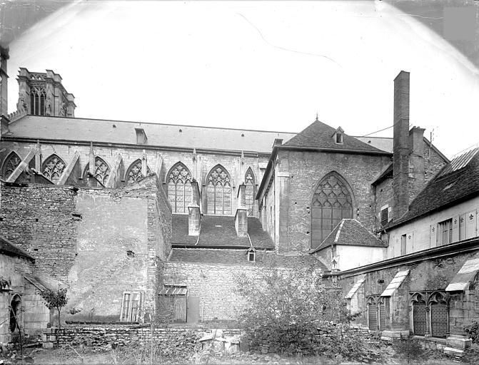 Cathédrale Saint-Vincent (ancienne) Façade sud et restes du cloître, Heuzé, Henri (photographe),