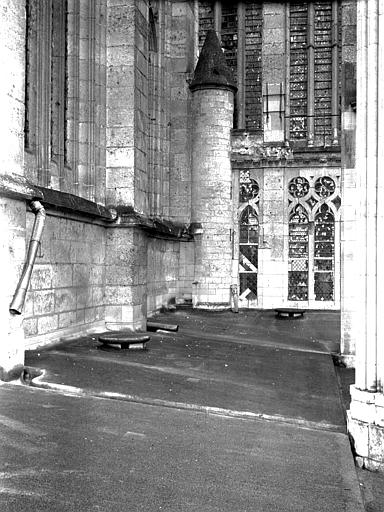 Cathédrale Galerie extérieure : détail, Chaine, Henri (architecte),