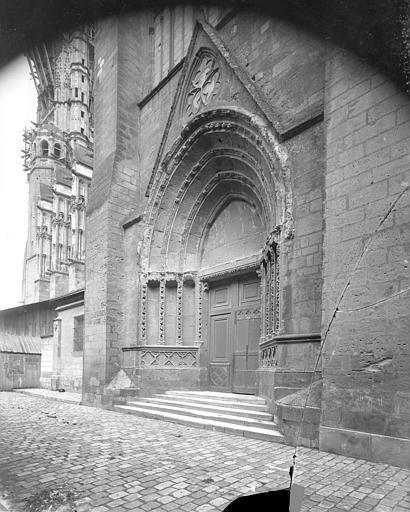 Cathédrale Saint-Gatien Portail du transept sud, ,