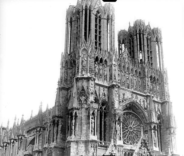 Cathédrale Façade ouest : partie supérieure, Goubeau (photographe),
