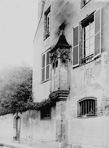 Maison Echauguette, Enlart, Camille (historien),