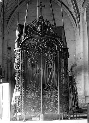 Cathédrale Saint-Pierre Grille, Robert, Paul (photographe),