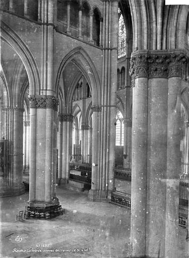 Cathédrale Notre-Dame Vue intérieure du transept sud, vers le nord-ouest : colonnes, Mieusement, Médéric (photographe),