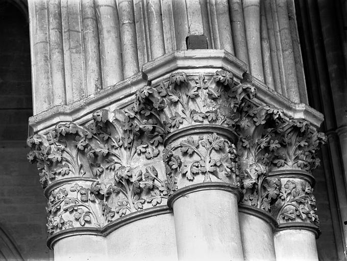 Cathédrale Notre-Dame Nef, chapiteau, Lajoie, Abel,