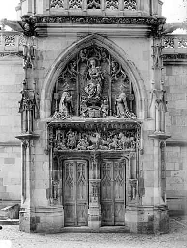 Château Chapelle Saint-Hubert : Portail de la façade d'entrée, Cousin,