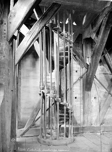Cathédrale Notre-Dame Vue intérieure du clocher : Escalier des sonneurs, Mieusement, Médéric (photographe),