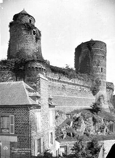 Château ; Remparts Côté ouest : Tour Mélusine, tour des Gobelins, Mieusement, Médéric (photographe),
