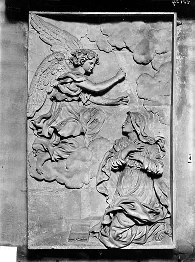 Eglise Notre-Dame Bas-relief, L'Annonciation, situé dans la chapelle de l'Assomption, Gossin (photographe),