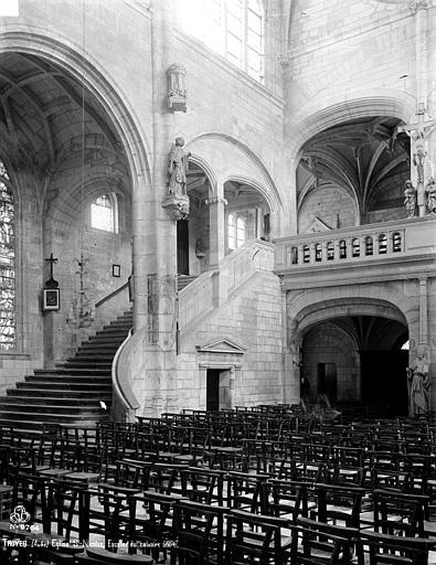 Eglise Saint-Nicolas Escalier du calvaire, Robert, Paul (photographe),