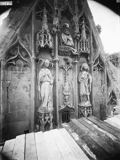Cathédrale Notre-Dame Pignon du bras nord du transept, l'Annonciation, Lajoie, Abel,
