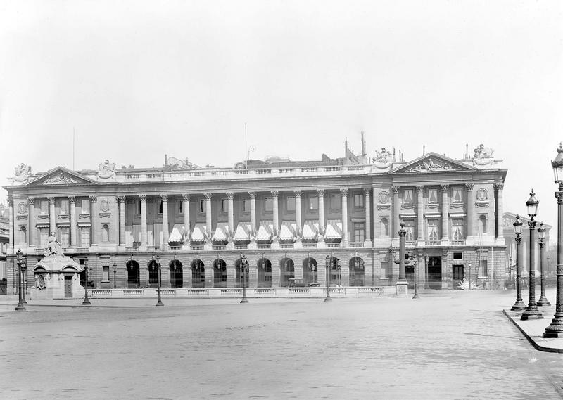 Hôtel Saint-Florentin (ancien) ; Hôtel de Talleyrand ; Consulat des Etats-Unis Grande façade, à gauche de la rue Royale, Durand, Eugène (photographe),