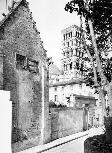 Evêché (ancien) Bâtiment : Pignon gothique donnant sur la rue de Friedland, côté nord, Mieusement, Médéric (photographe),