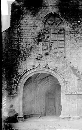 Eglise de Locmaria Porche, Enlart, Camille (historien),