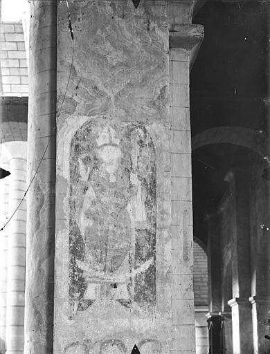Eglise Saint-Hilaire-le-Grand Peintures murales (restes) : Evêque, Gossin (photographe),