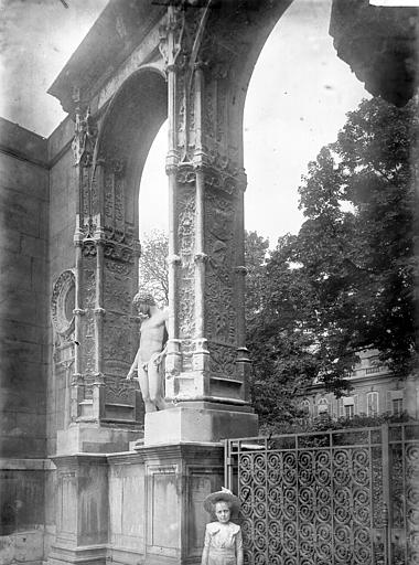 Ecole des Beaux-Arts Arc de Gaillon, Enlart, Camille (historien),