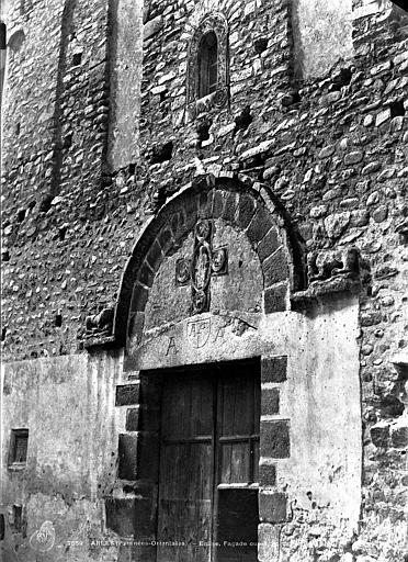 Abbaye Eglise : portail ouest, Mestral ; Le Gray, Gustave (photographe),