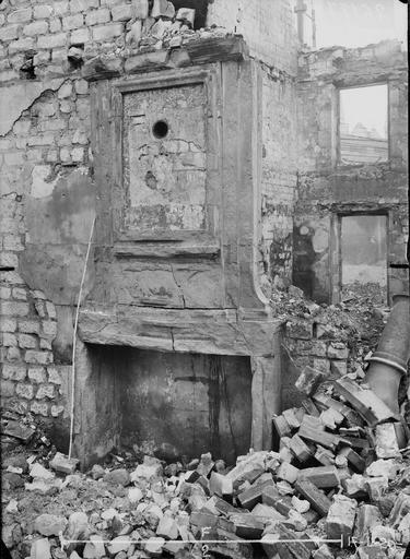 Maison Cheminée Louis XIII, Verneau, G.,