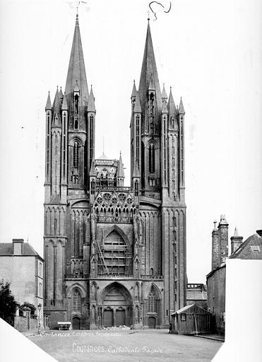 Cathédrale Notre-Dame Façade ouest, Mieusement, Médéric (photographe),