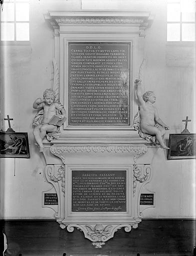 Hospice Sainte-Anne (ancien) Chapelle Sainte-Anne : Monument funéraire de Louis Odebert, Gossin (photographe),