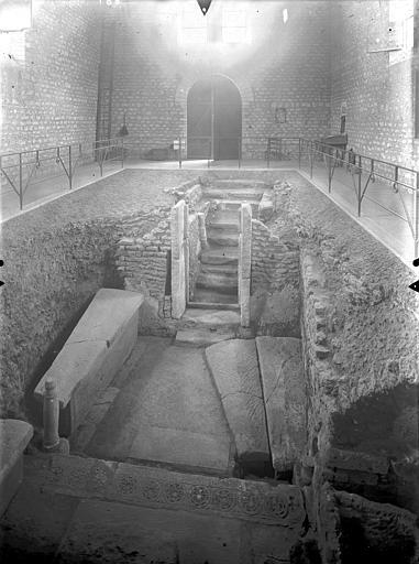 Hypogée des Dunes Vue intérieure de la chapelle souterraine, Gossin (photographe),