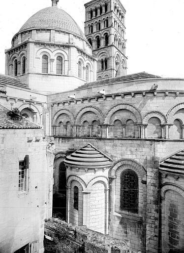 Cathédrale Saint-Pierre Abside et coupole de la croisée du transept, côté sud, Mieusement, Médéric (photographe),
