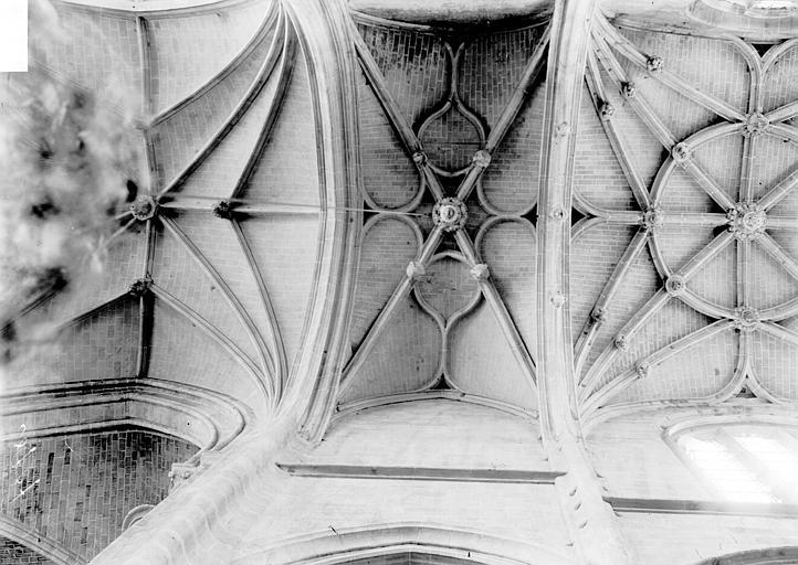 Eglise Saint-Samson Voûtes, Enlart, Camille (historien),