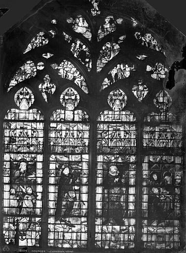 Cathédrale Saint-Etienne Vitrail : fenêtre de la famille Letellier, Leprévost (photographe),