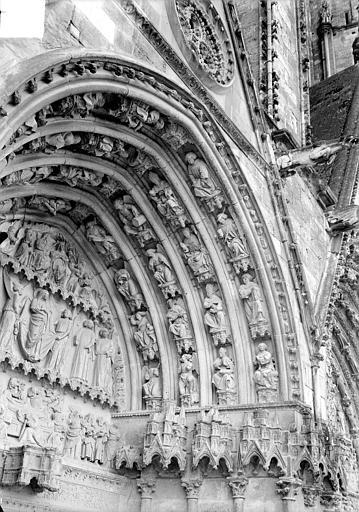 Cathédrale Saint-Etienne Deuxième portail de la façade ouest : voussure de droite, Doucet ; Baudet (photographe),