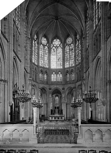 Cathédrale Saint-Pierre Vue intérieure du choeur, Mieusement, Médéric (photographe),