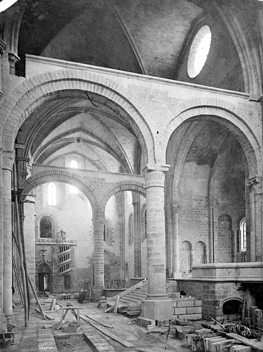 Cathédrale Saint-Cyr-et-Sainte-Julitte Vue intérieure du transept nord, Mieusement, Médéric (photographe),