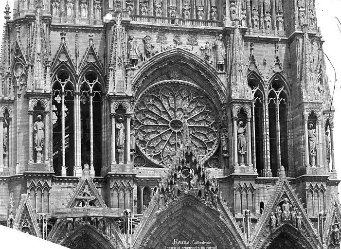 Cathédrale Notre-Dame Façade ouest : partie médiane et rosace, Mieusement, Médéric (photographe),