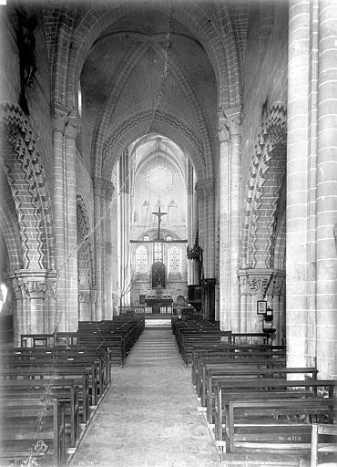 Eglise Saint-Lucien Vue intérieure de la nef vers le choeur, Robert, Paul (photographe),
