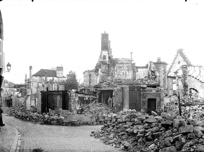 Maisons Ruines des maisons après le bombardement du 2 septembre 1914, Durand, Jean-Eugène (photographe),