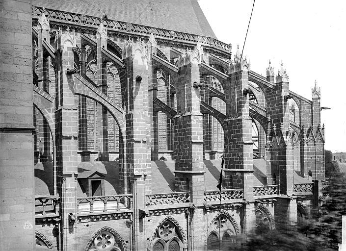 Cathédrale Saint-Gatien Façade sud : arcs-boutants et contreforts de l'abside, Mieusement, Médéric (photographe),