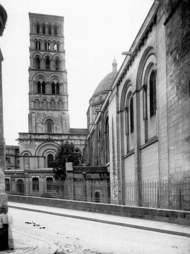 Cathédrale Saint-Pierre Clocher, Enlart, Camille (historien),
