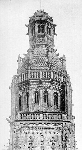 Cathédrale Saint-Gatien Clocher nord : partie supérieure, ,