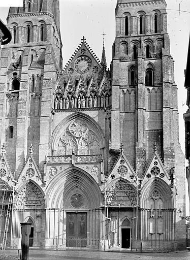 Cathédrale Façade ouest, Enlart, Camille (historien),