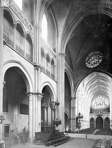 Cathédrale Saint-Vincent (ancienne) Vue intérieure du choeur et de la nef, vers le sud-ouest, Heuzé, Henri (photographe),
