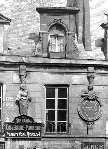 Hôtel des Prévôts Lucarne, Durand, Eugène (photographe),
